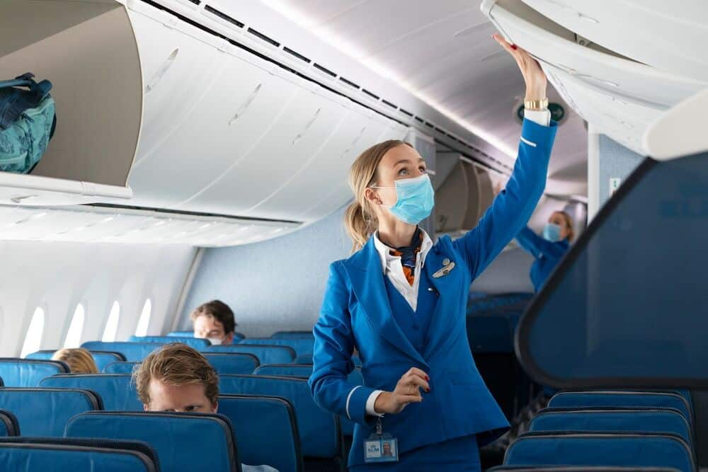 KLM requires passengers to wear face masks